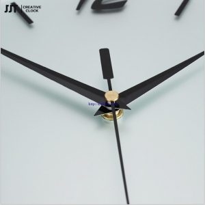 dong-ho-treo-tuong-nghe-thuat-pha-le-ngoc-chau (12)