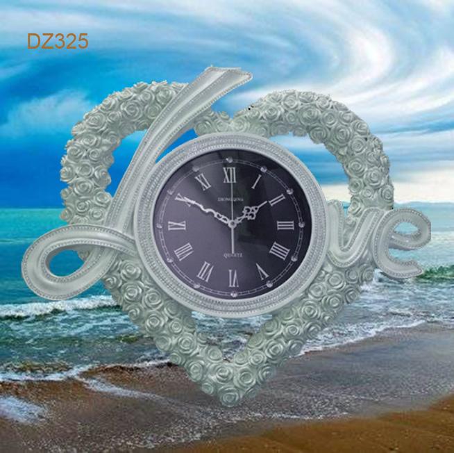 dong-ho-trang-tri-love-5