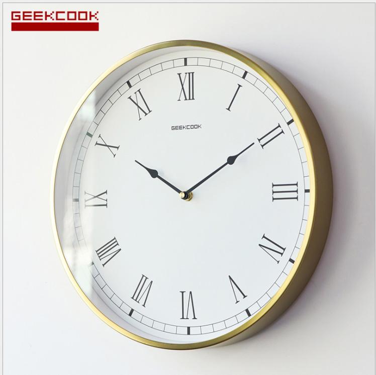 dong-ho-treo-tuong-gkc05